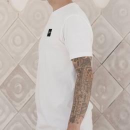 ⚪ Minimalismo como estilo de vida ⚫  Ahora en nuestra web con -40% 🕐 . . .  #madeinbarcelona #barcelona #mnml #minimal #simplefits ##hype #hypebeast #original #handmade #streetstyle #streetlife #streetapparel #streetart #streetwear #style #mensfashion #menstyle #menswear #streetfashion #urban #urbanwear #tshirt #classy #clotes #clothingbrand #stylishmen #startup #sale #store #tiendaonline